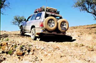 PORTE-ROUE SUR PARE-CHOCS KAYMAR 4X4 PORTE-JERRYCAN Porte roues secours 4x4