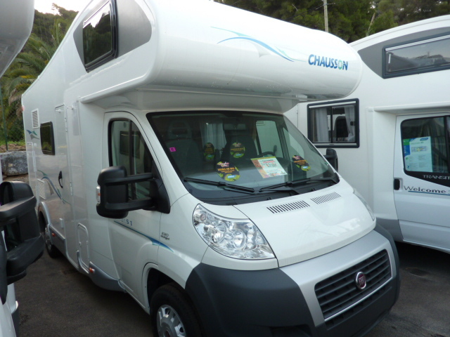 chausson flash s1 occasion 4 camping car flash s1 2010 climatise 4 5 5 places accessoires. Black Bedroom Furniture Sets. Home Design Ideas