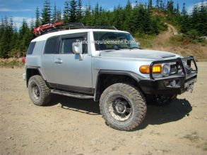 TOYOTA FJ CRUISER équipements renforcés raids 4x4 - Accessoires et suspensions