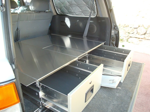 amenagements interieurs 4x4 tiroirs de rangement car 39 box. Black Bedroom Furniture Sets. Home Design Ideas